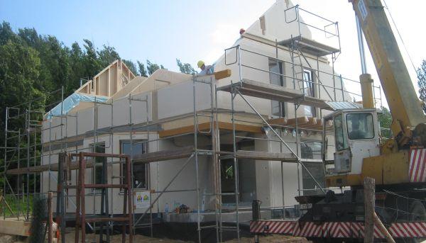 Dom czy mieszkanie – co się bardziej opłaca i dlaczego?