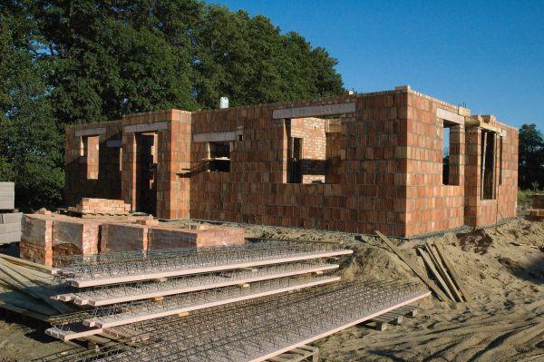 Budowa domu jednorodzinnego. Jakich błędów należy unikać?